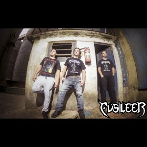 FUSILEER: Canal FlashBanger registra performance da banda no 'VI Maquinária Rock Field', assista!