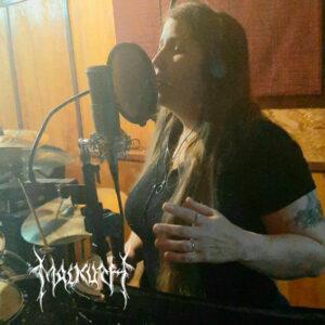 """MALKUTH: Assista a gravações dos vocais de Ângela Fullmoon para """"An Epic Journey Through The Dark Nospheratic Forests"""""""